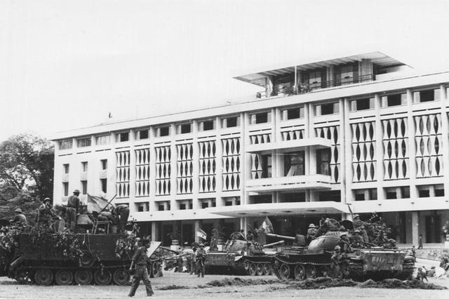 Hướng Đông Nam - Cánh quân đầu tiên đánh vào Dinh Độc Lập ngày 30/4/1975 - 3