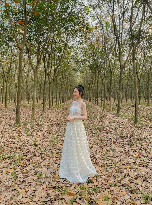 Nữ sinh 9X sưu tập hơn 300 chiếc váy công chúa, giá trị cả tỷ đồng - 11