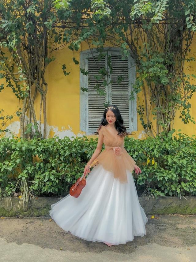 Nữ sinh 9X sưu tập hơn 300 chiếc váy công chúa, giá trị cả tỷ đồng - 5