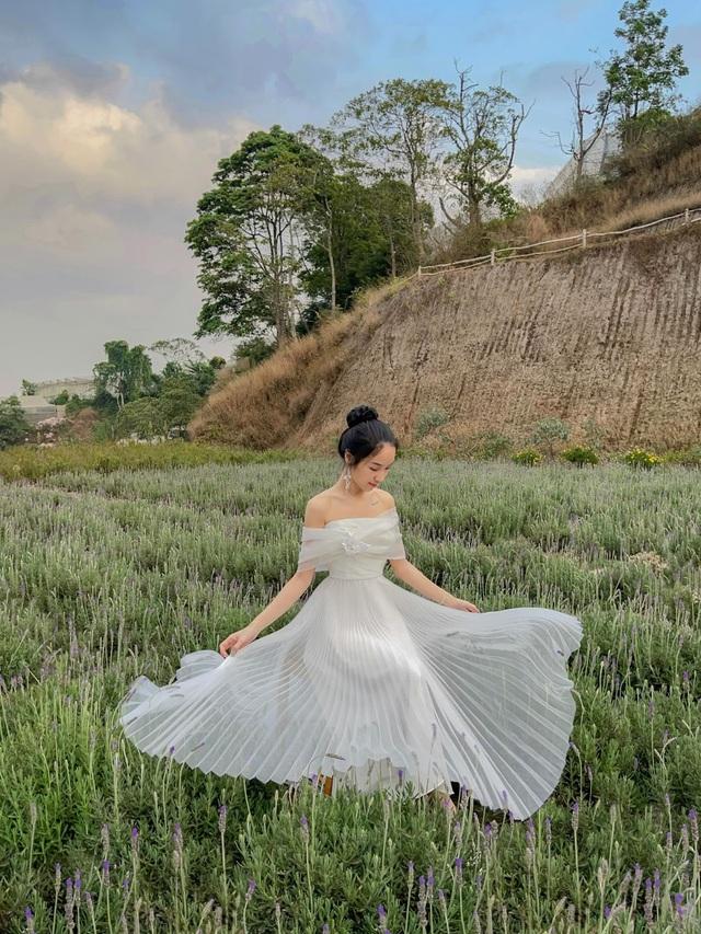 Nữ sinh 9X sưu tập hơn 300 chiếc váy công chúa, giá trị cả tỷ đồng - 9
