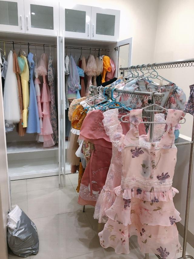 Nữ sinh 9X sưu tập hơn 300 chiếc váy công chúa, giá trị cả tỷ đồng - 15