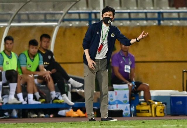 CLB Hà Nội thua sốc Bình Định trong ngày HLV Park Choong Kyun ra mắt - 1