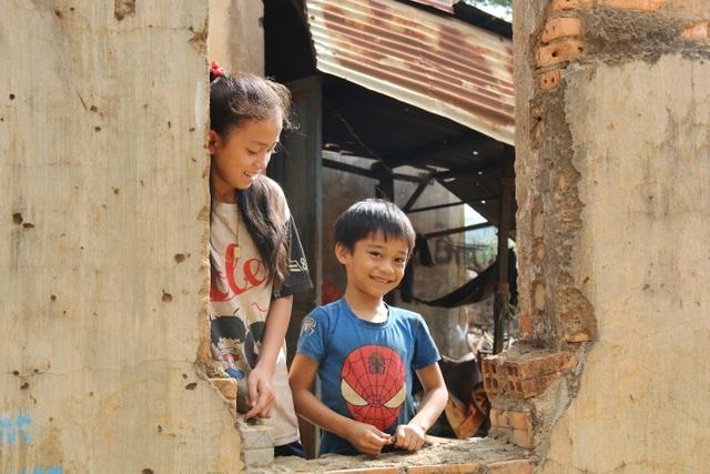 Thương cảnh ba bà cháu từ gánh bún trong ngôi nhà bỏ hoang đến góc chợ - 2
