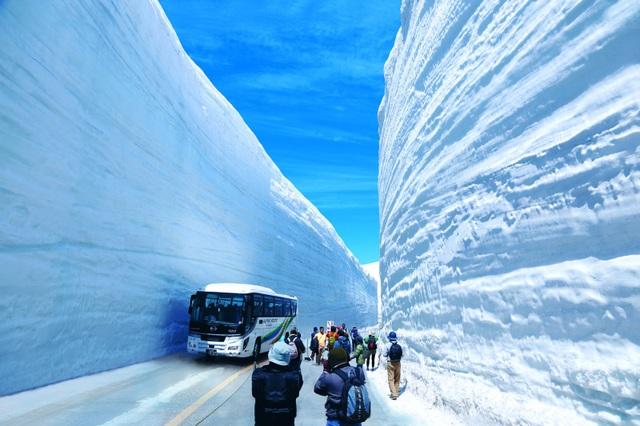 Đi dọc Alpine Tateyama Kurobe - cung đường tuyết ngoạn mục của xứ Phù Tang - 4