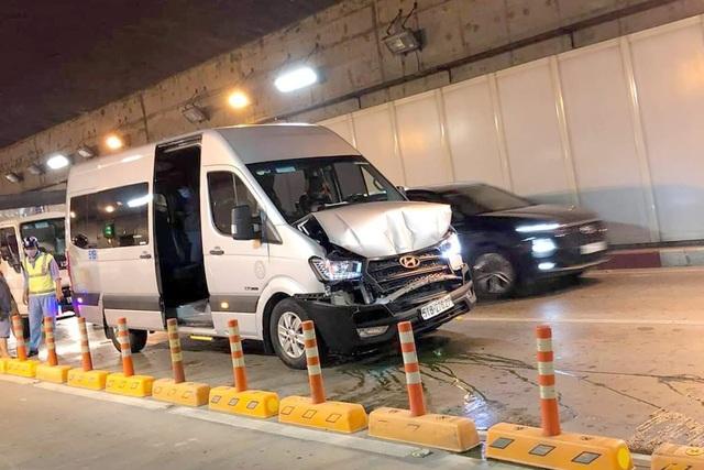 4 ô tô tông liên hoàn trong hầm Thủ Thiêm - 1
