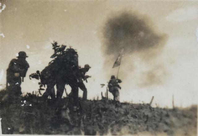 Những khoảnh khắc chiến trường chưa từng công bố của liệt sĩ nhiếp ảnh - 9