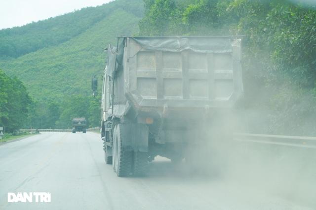 Binh đoàn xe hổ vồ hoành hành trên khắp các tuyến đường ở Quảng Ninh - 3