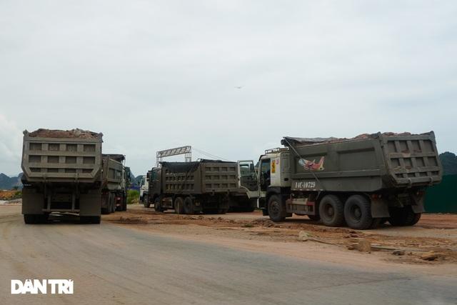 Binh đoàn xe hổ vồ hoành hành trên khắp các tuyến đường ở Quảng Ninh - 10