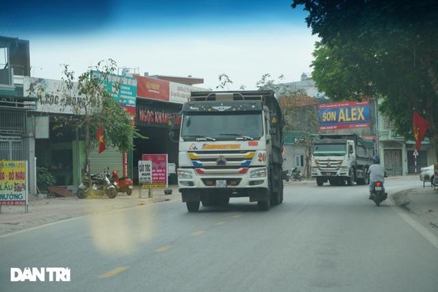 Binh đoàn xe hổ vồ hoành hành trên khắp các tuyến đường ở Quảng Ninh - 8