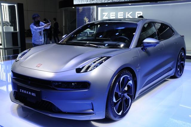 Lạc vào thế giới tương lai tại triển lãm ô tô Thượng Hải 2021 - 2