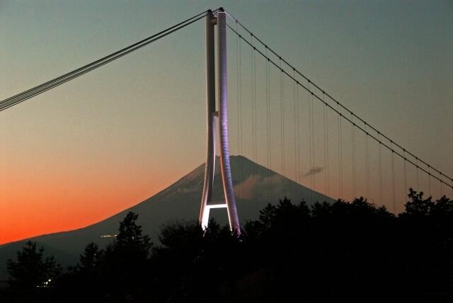 Ngắm núi Phú Sĩ từ cầu treo dài 400 m - 4