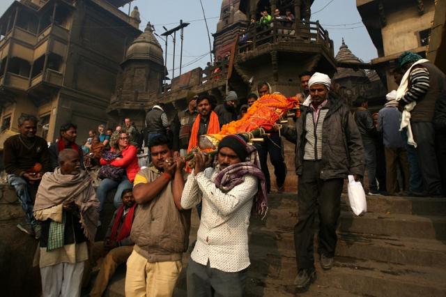 Lý do nhiều người Ấn Độ muốn được hỏa táng ở sông Hằng - 2