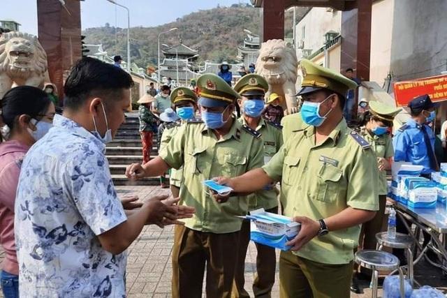 Du khách không đeo khẩu trang khi đến Phú Quốc dịp 30/4 sẽ bị xử phạt? - 3