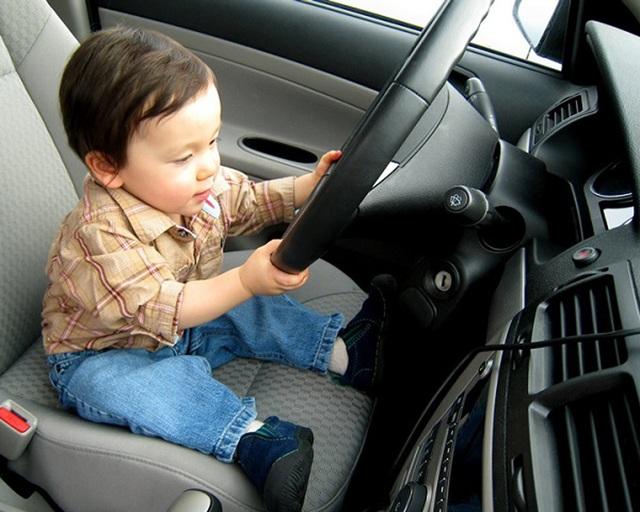 Có trẻ ngồi trên ô tô, phụ huynh cần lưu ý gì để đảm bảo an toàn? - 3