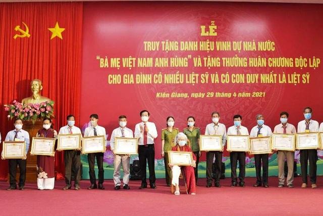 Truy tặng danh hiệu Bà mẹ Việt Nam anh hùng ở Kiên Giang - 1
