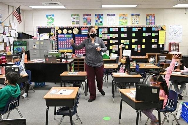 Từ nhân viên tạp vụ trở thành giáo viên trường tiểu học Mỹ - 2