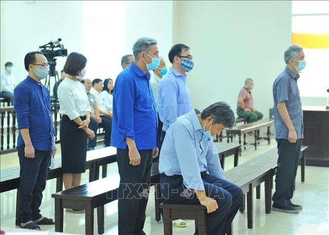 Phải nhập viện cấp cứu, cựu Bộ trưởng Vũ Huy Hoàng bỏ lỡ buổi tuyên án - 1