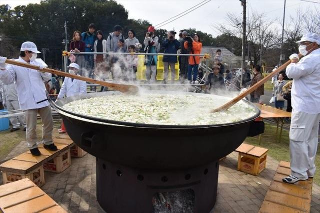 Lễ hội ăn lẩu tập thể ở Nhật Bản - 4