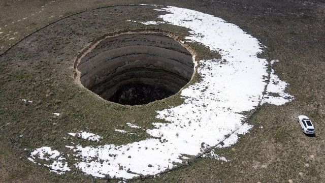 Xuất hiện hàng trăm hố tử thần khổng lồ ở Thổ Nhĩ Kỳ - 6