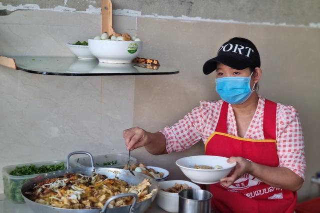 Quán bánh canh cá lóc vùng ven Đà Nẵng, mỗi sáng bán 350 tô - 8
