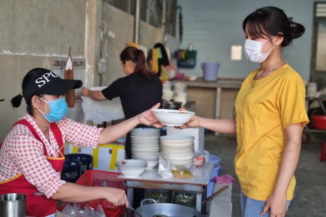Quán bánh canh cá lóc vùng ven Đà Nẵng, mỗi sáng bán 350 tô - 7