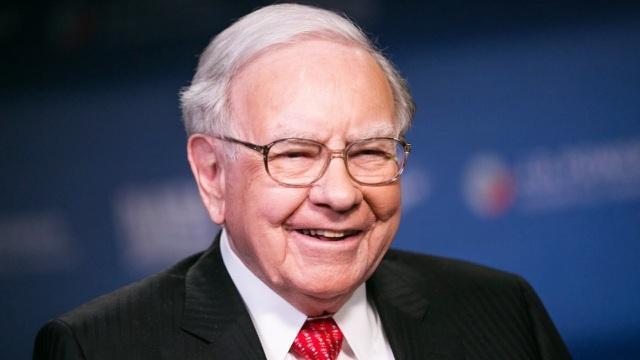 Tỷ phú Warren Buffett trở nên giàu có bằng cách nào? - 1