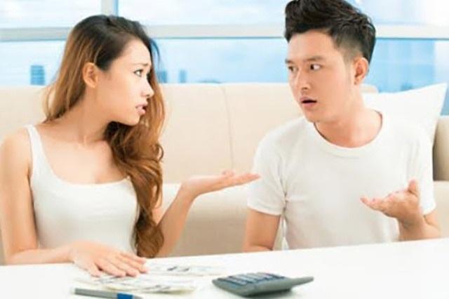 Đi du lịch dịp lễ, vợ yêu cầu bố mẹ chồng phải góp 10 triệu đồng - 1