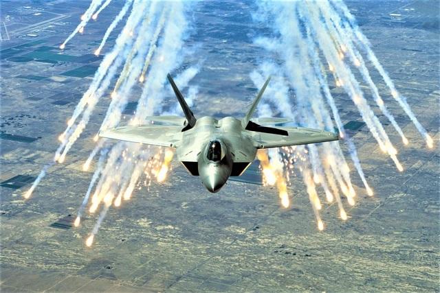 Hậu duệ của chiến đấu cơ tàng hình F-22 lộ diện - 1