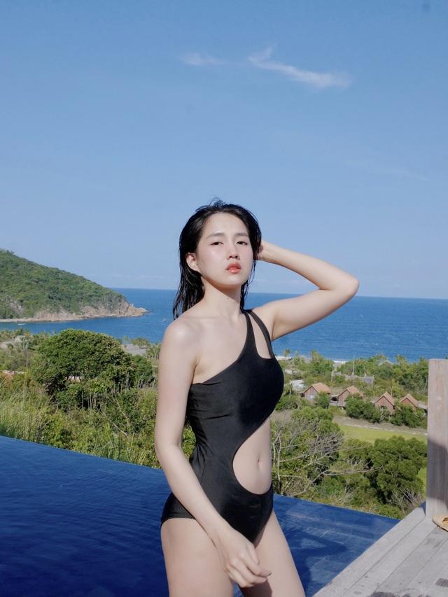 Nghỉ lễ, hot girl Reuters tung ảnh bikini nóng bỏng khiến fans xuýt xoa - 7