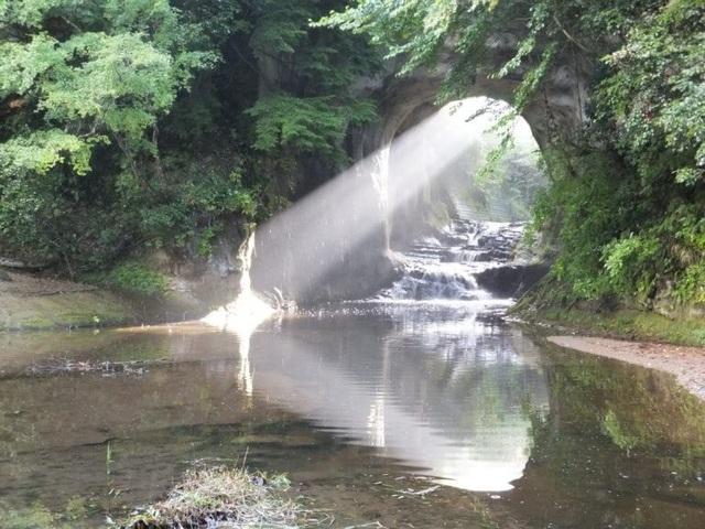 Khám phá hang động tạo ra hình trái tim đẹp như tranh ở Nhật Bản - 5