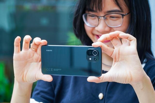 Đánh giá Xiaomi Mi 11 Lite: thiết kế mỏng nhẹ, hiệu năng đủ dùng - 2