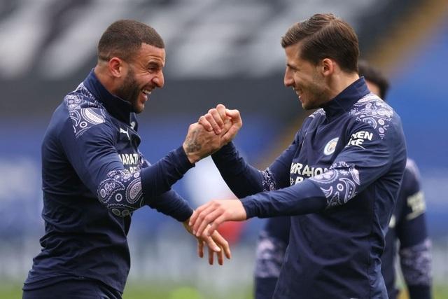 Crystal Palace 0-2 Man City: Chạm tay vào cúp bạc, nín thở chờ Man Utd - 10