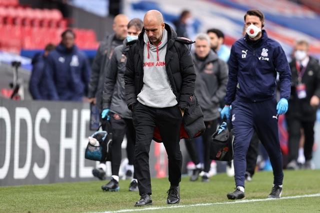 Crystal Palace 0-2 Man City: Chạm tay vào cúp bạc, nín thở chờ Man Utd - 5