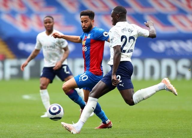 Crystal Palace 0-2 Man City: Chạm tay vào cúp bạc, nín thở chờ Man Utd - 2