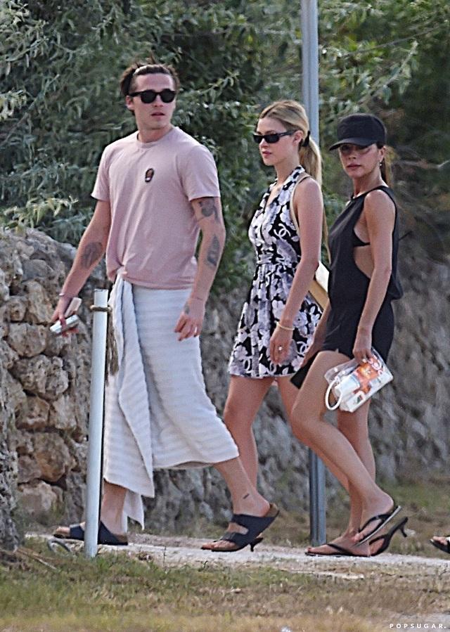 Bạn gái Brooklyn Beckham được lòng gia đình chồng tương lai - 7
