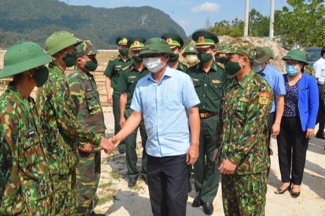 Bí thư Thừa Thiên Huế yêu cầu khống chế dịch Covid-19 ngay tại biên giới - 1