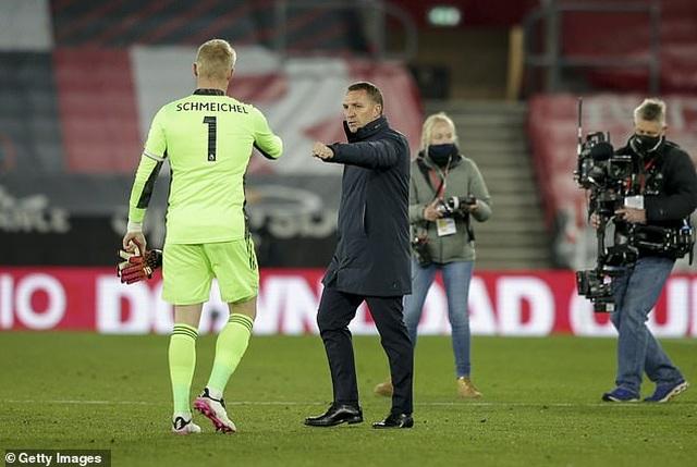 Tottenham khó tìm được người thay thế HLV Mourinho - 1