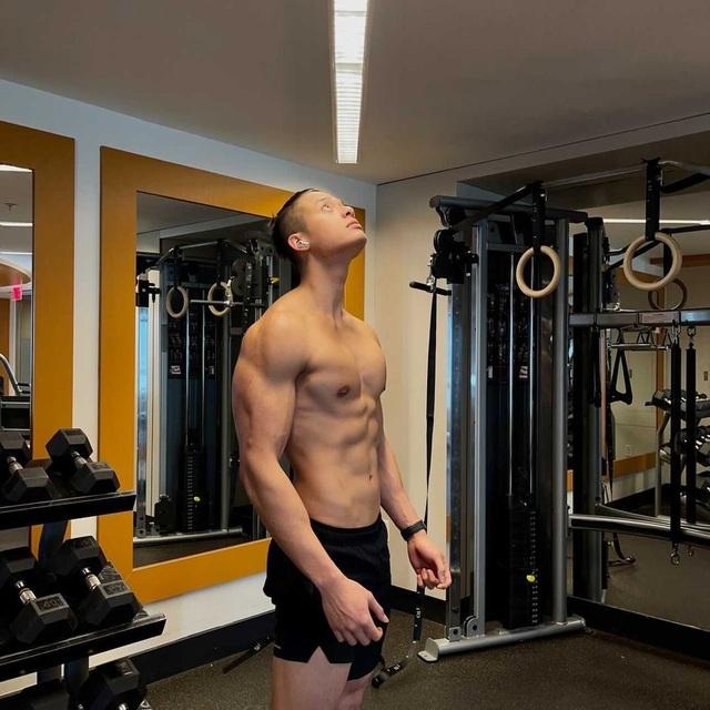 Loạt hot boy sở hữu body 6 múi gây ấn tượng thời gian qua - 4