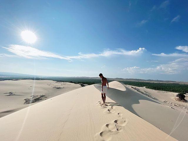 Khám phá 2 đồi cát đẹp như tranh, đứng góc nào cũng có ảnh đẹp - 3