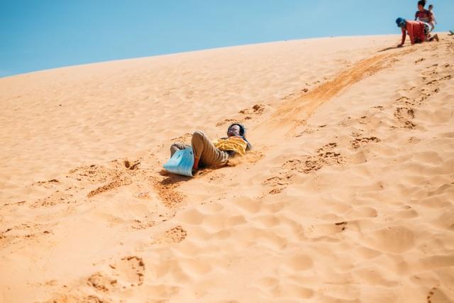 Khám phá 2 đồi cát đẹp như tranh, đứng góc nào cũng có ảnh đẹp - 7