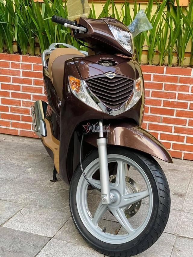 Honda SH 2008 màu sôcôla giá hơn 250 triệu đồng gây sốt - 2