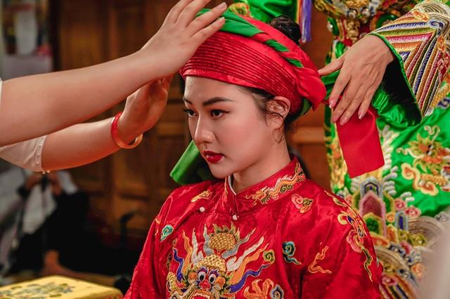 Hoa khôi Đại học FPT hóa cô đồng xinh đẹp - 3