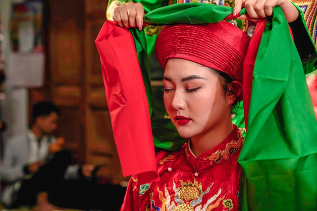 Hoa khôi Đại học FPT hóa cô đồng xinh đẹp - 4