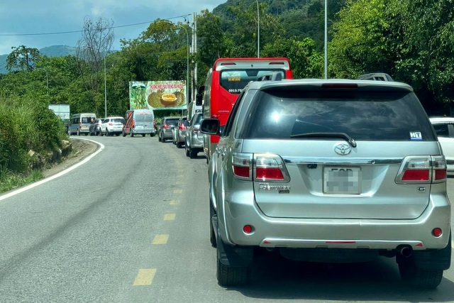 Kêu gọi người dân Đà Lạt đi xe hai bánh, nhường đường cho ô tô du lịch - 1