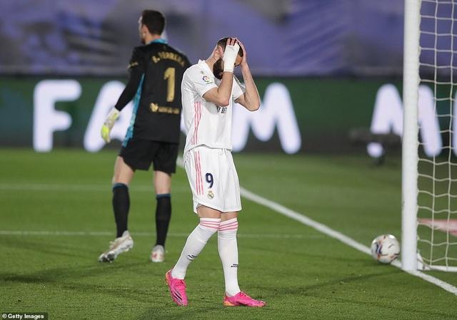 Đánh bại Osasuna, Real Madrid bám đuổi quyết liệt Atletico - 1