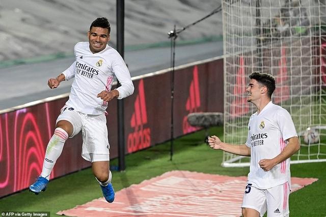 Đánh bại Osasuna, Real Madrid bám đuổi quyết liệt Atletico - 7