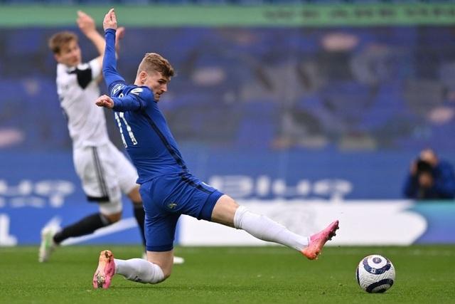 Chelsea xây chắc vị trí top 4, khiến Liverpool ngồi trên đống lửa - 1