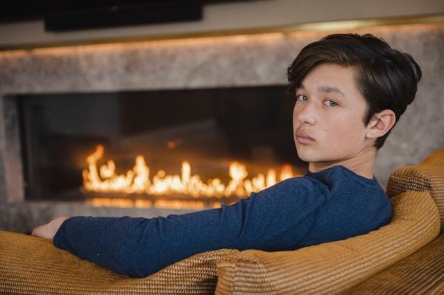 Cậu bé tự kỷ trở thành người mẫu của những hãng thời trang hàng đầu - 2