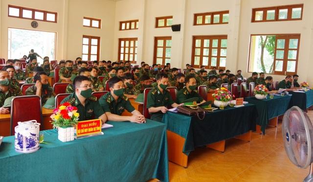 Nghệ An tăng cường bộ đội lên biên giới chống dịch Covid-19 - 1