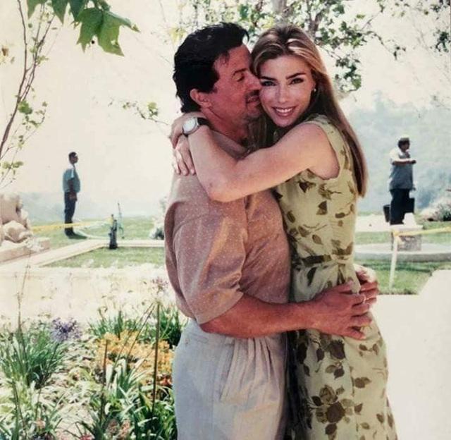 Ảnh hiếm về Rambo Sylvester Stallone và vợ kém 22 tuổi - 6